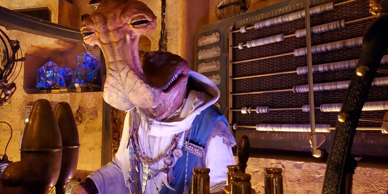 SWGE GUIDE: Inside 'Dok-Ondar's Den of Antiquities' at Star Wars: Galaxy's Edge in Disneyland