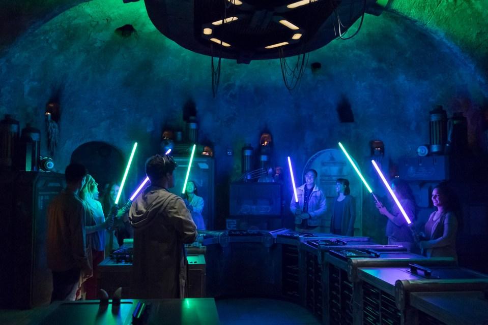 SWGE GUIDE: Inside 'Savi's Workshop – Handbuilt Lightsabers' at Star Wars: Galaxy's Edge in Disneyland