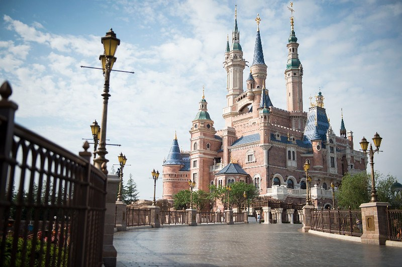 Shanghai Disneyland sets capacity controlled re-opening date for May 11, 2020
