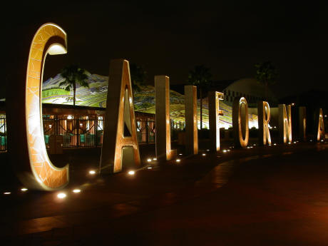 Disneyland Resort donates iconic CALIFORNIA letters to Cal Expo in Sacremento | #MIrewind