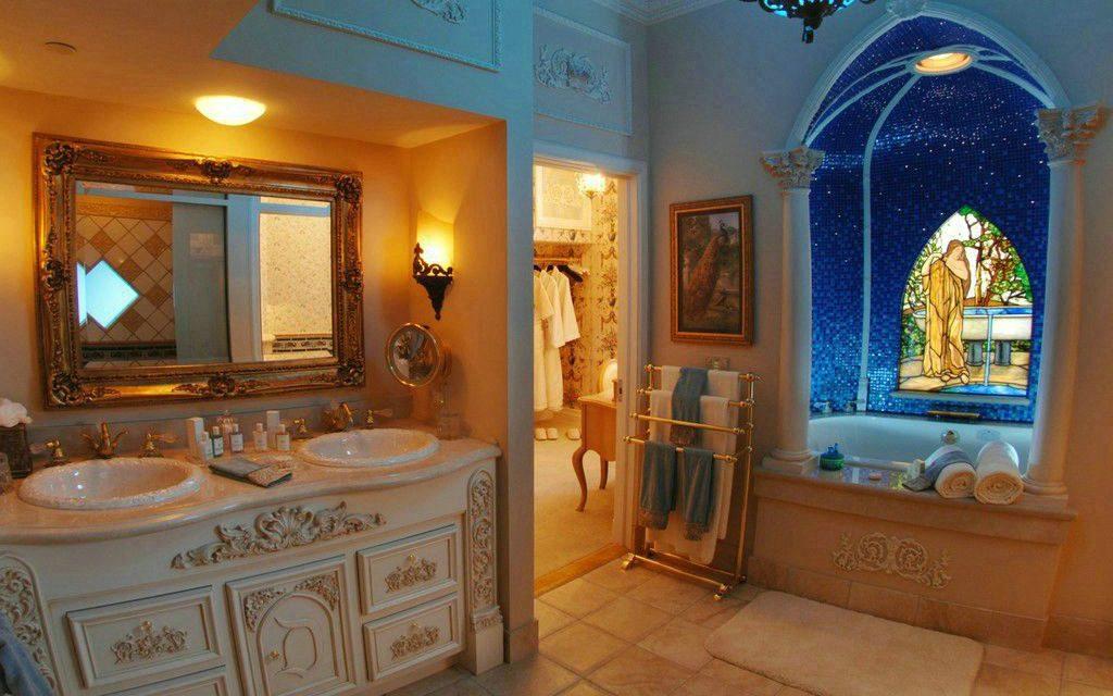 DETAILS: Inside the Disneyland Dream Suite above Pirates of the Caribbean at Disneyland Resort   #MIrewind