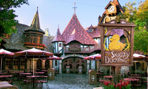The Snuggly Duckling Tavern at Disneyland | #YeahRightFiles | #MIrewind