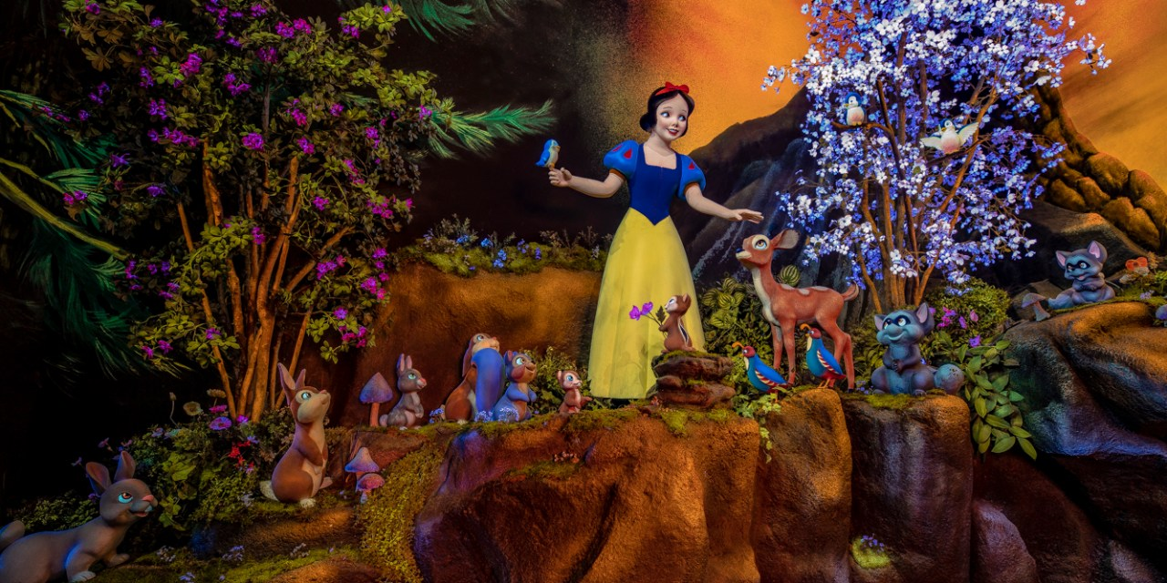 WATCH: Complete look at SNOW WHITE'S ENCHANTED WISH now open at Disneyland