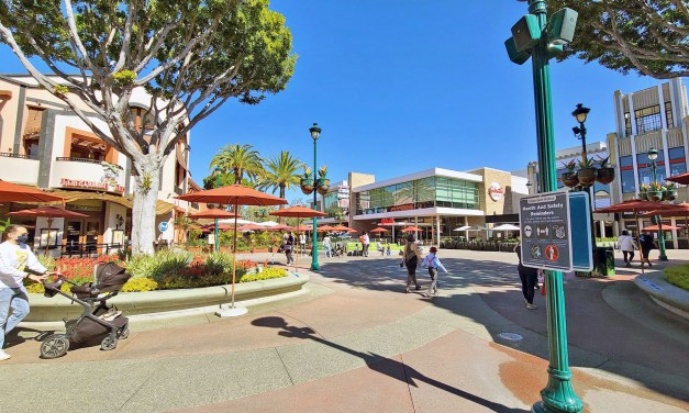 Here's the Downtown Disney dining locations that will deliver to Disneyland Resort hotels!