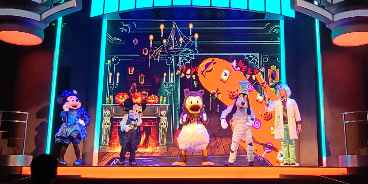 WATCH: Disney's Frightfully Fun Parade and Mickey's Trick & Treat entertainment light up Oogie Boogie Bash 2021