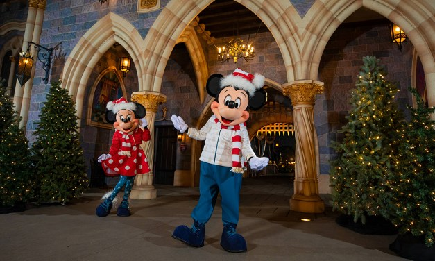 Mickey and Minnie reveal new holiday looks matching 2021 Disney holiday merchandise line
